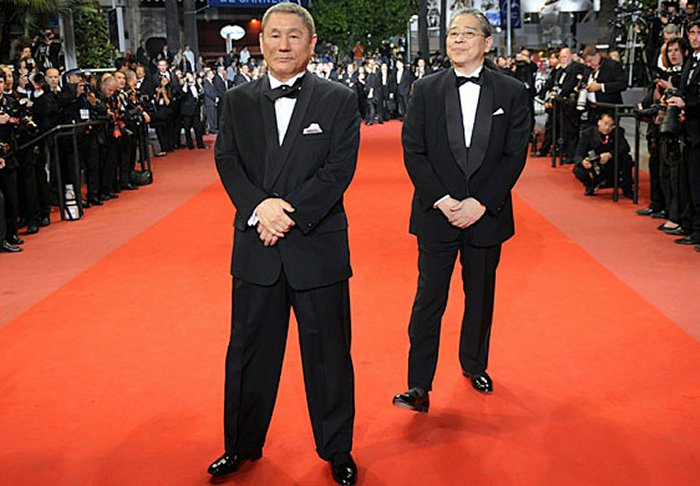 Hetero_Homo_Body_Compare_01-TwoJapaneseMen